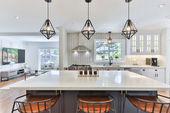Moderne kuchyne s obyvackou v novostavbách