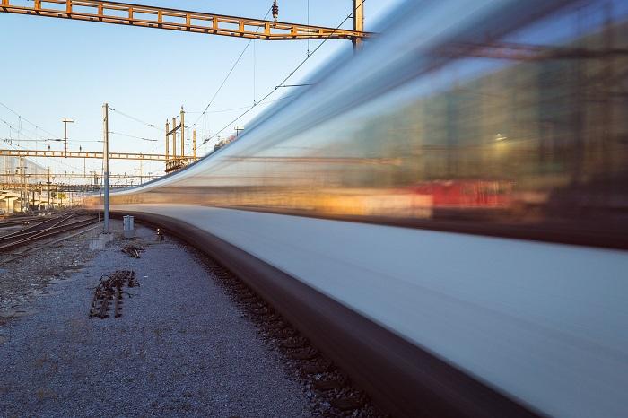 Cestovanie vlakom zadarmo pre deti a seniorov